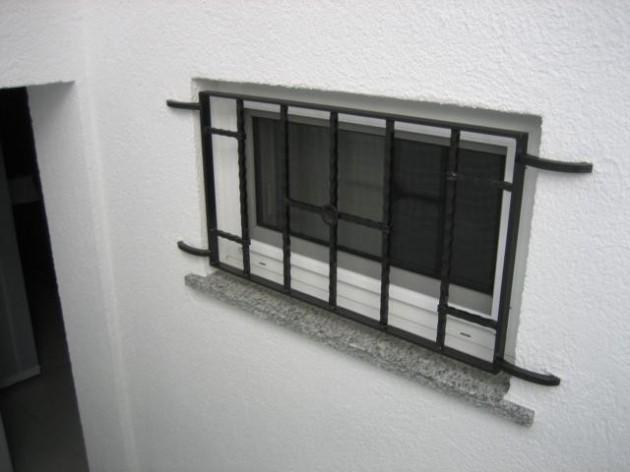 Insektenschutz Spannrahmen für Kellerfenster